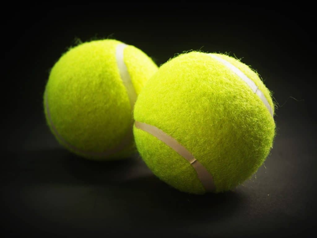 Best Tennis Balls Reviews  Why Is There Fuzz On A Tennis Ball